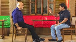 Anupam Kher in conversation with Johnny Lever