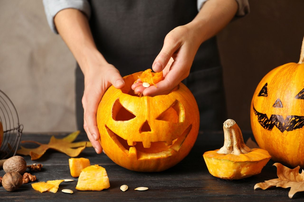 Make A Jack O Lantern With A Halloween Pumpkin For Trick Or Treat