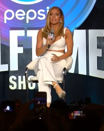 Jlo and the outfits she wore this week
