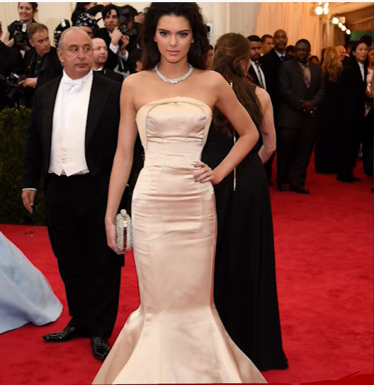 Kendall Jenner in a pink mermaid gown