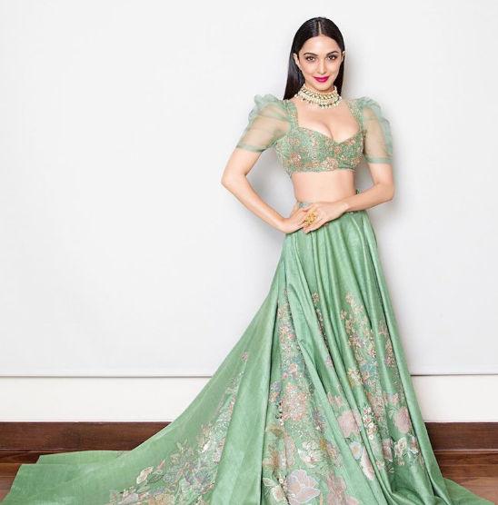 Kiara Advani sexy outfits