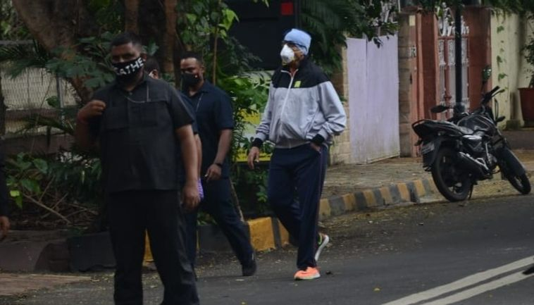 Amitabh Bachchan spotted at Juhu
