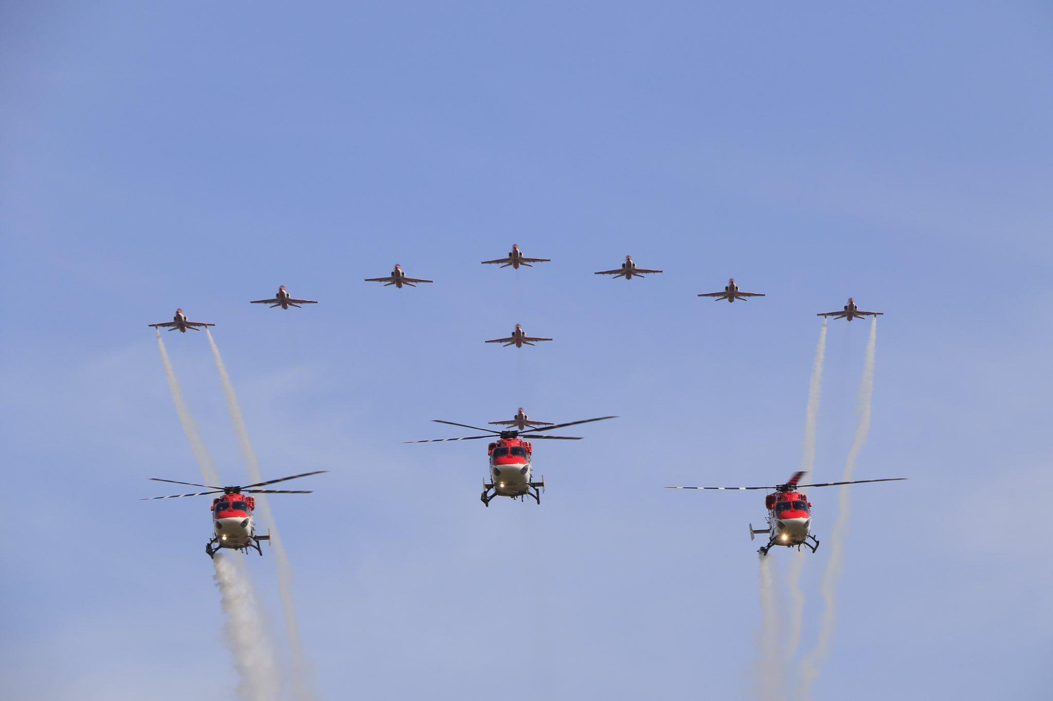 Aero India Show 2021: IAF's Surya Kiran & Sarang showcase breathtaking aerobatic display