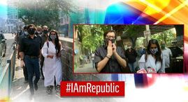 Arnab Goswami walks in solidarity as Republic's Sagarika answers Mumbai police's summons