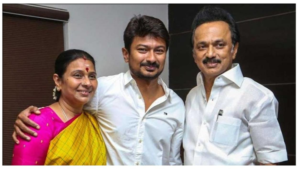 MK Stalin's wife sends legal notice to Tamil magazine, seeks Rs 10 crore &  apology over 'dynasty' article