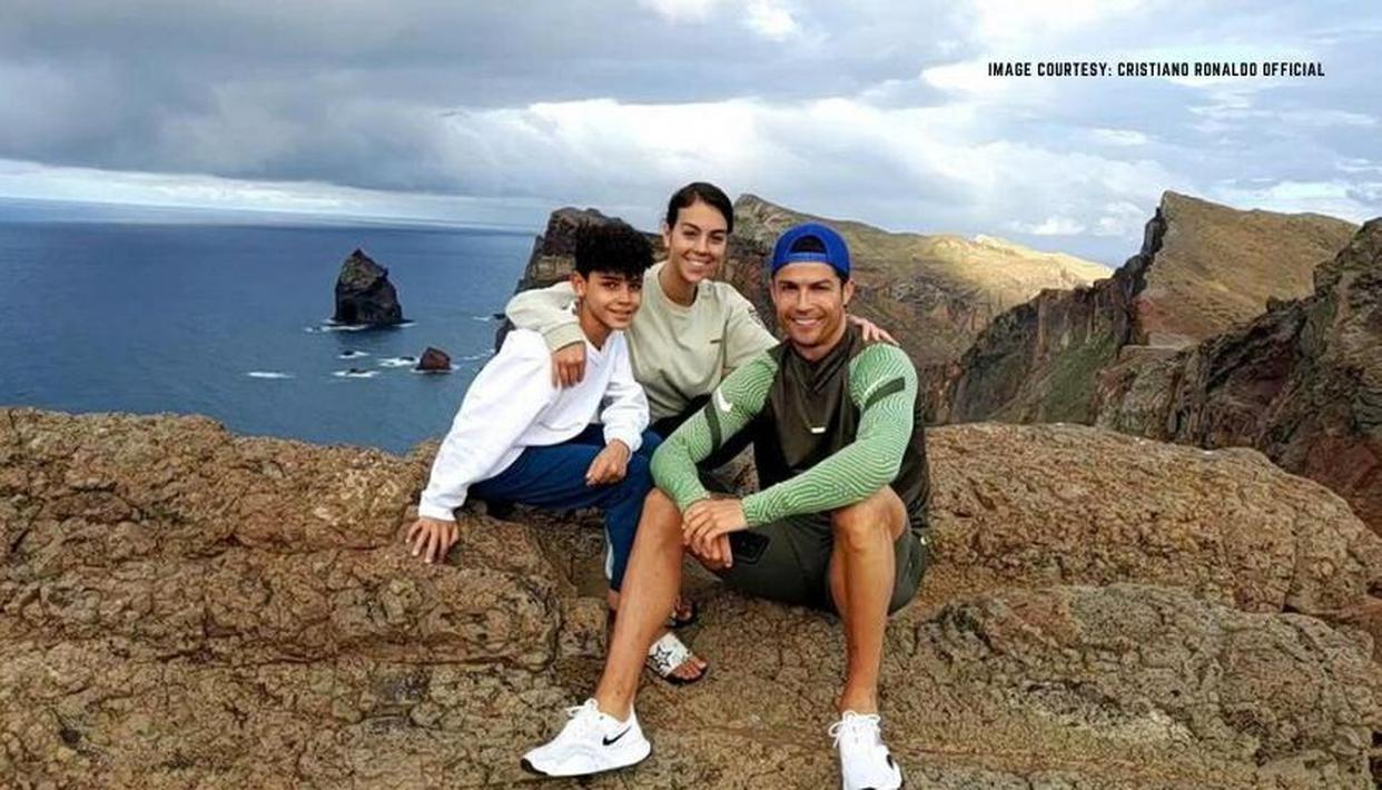 Cristiano Ronaldo shares story of humble beginnings with his son Cristiano Jr - Republic World