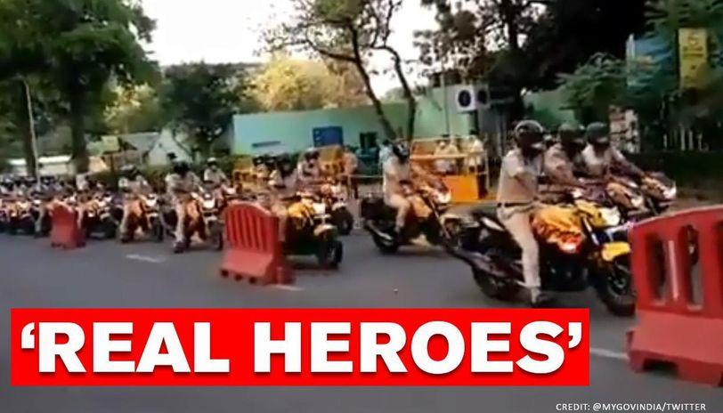 South Delhi Police bikers thank 'corona warriors' at AIIMS: Watch