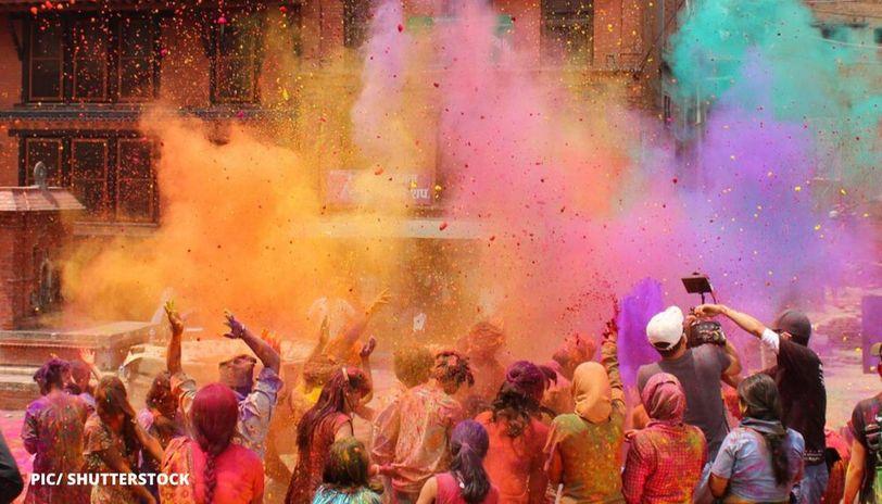 holi celebration in mumbai