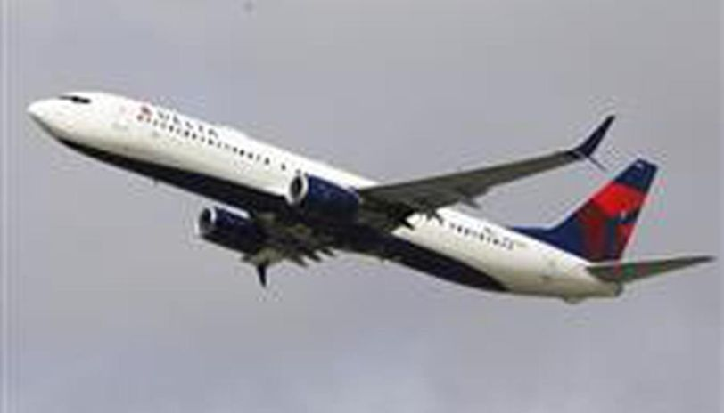 COVID-19: US airlines support temperature checks for passengers