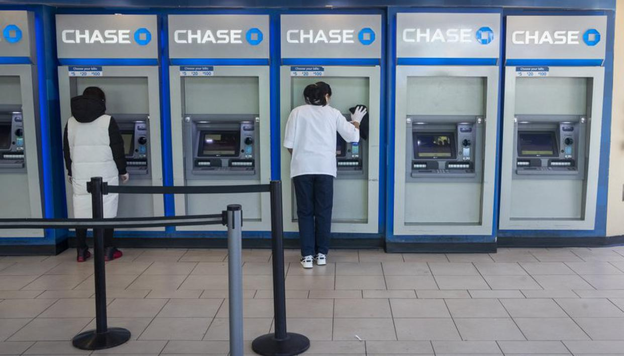 US Fed expands bond purchases to unlimited amount amid virus shock