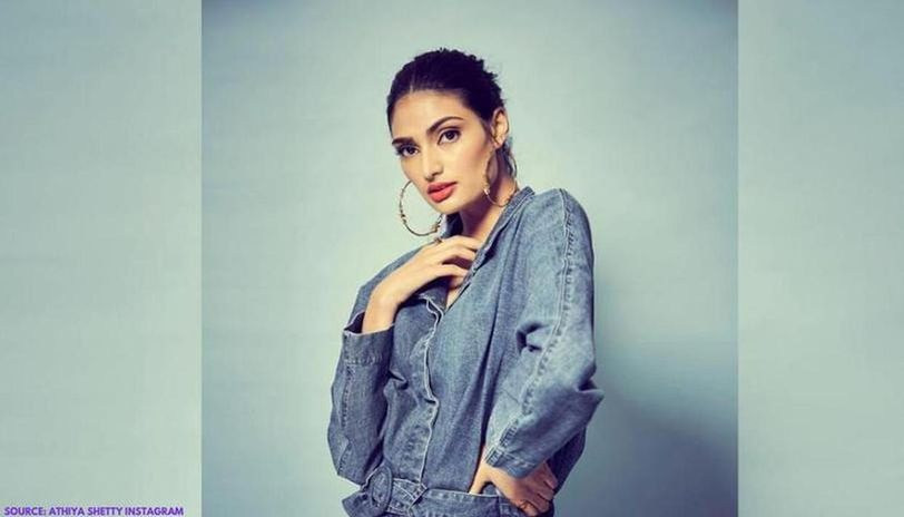 Athiya Shetty shares a sunkissed picture to mark Earth Day amid COVID-19 lockdown
