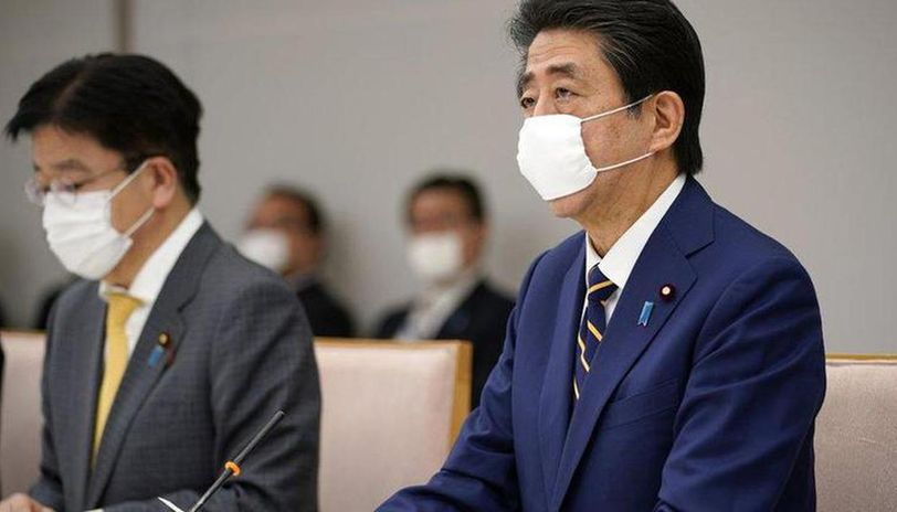 Coronavirus cases in Japan cross 10,000 as PM expands state of emergency