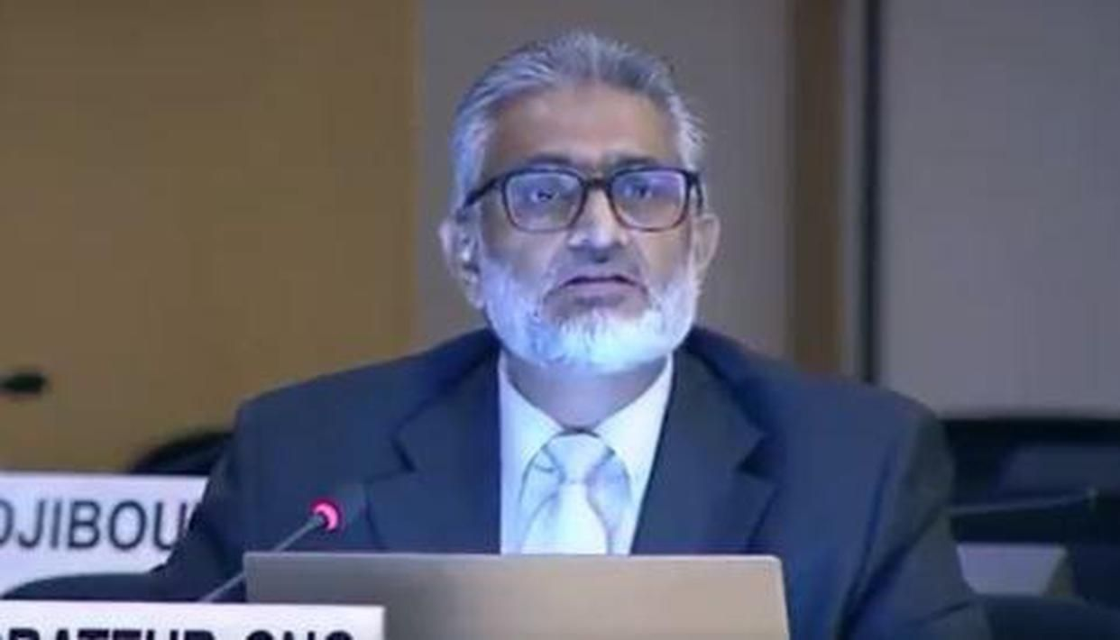 PoK activist breaks down at UNHRC, pleads to stop Pak from treating people like 'animals' - Republic World
