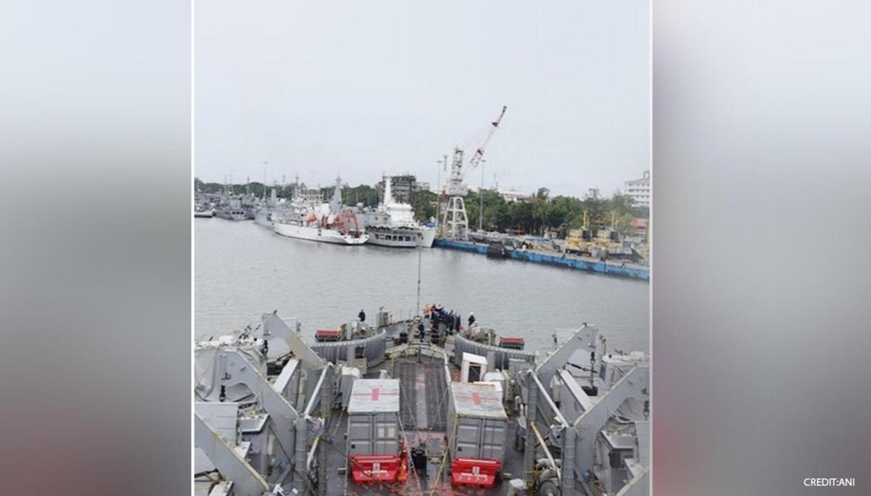 INS Kesari returns to Kochi after deployment in southern Indian region under Mission Sagar - Republic World