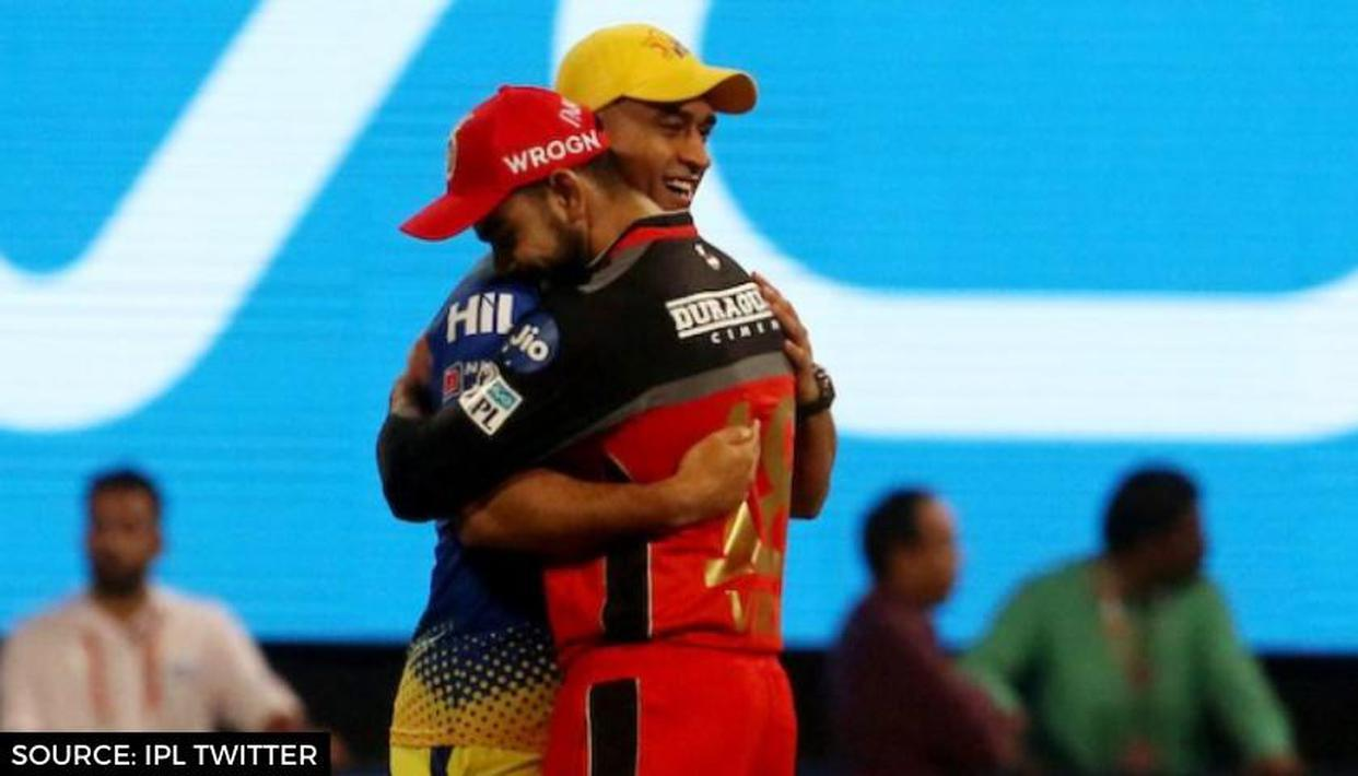 MS Dhoni, Virat Kohli share light moment on the field; fans go berserk on social media - Republic World