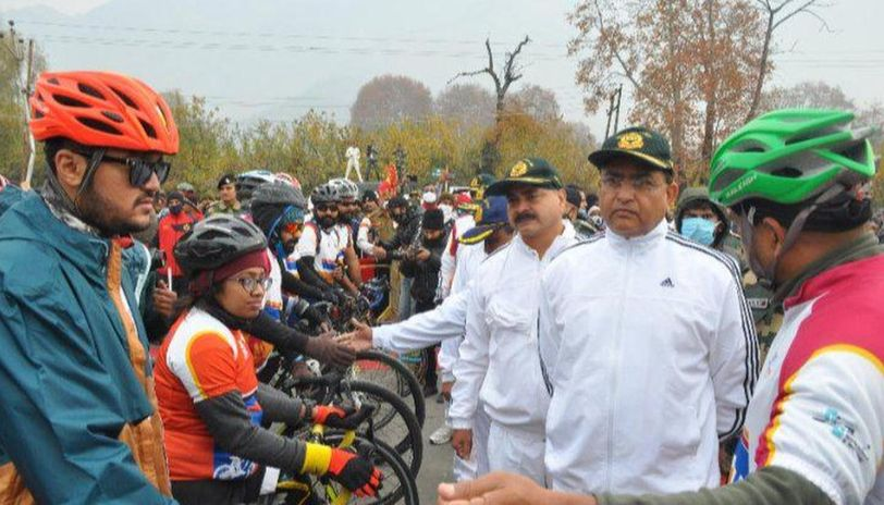 Kashmir to Kanyakumari cycle expedition for divyangjans flagged off by DG BSF