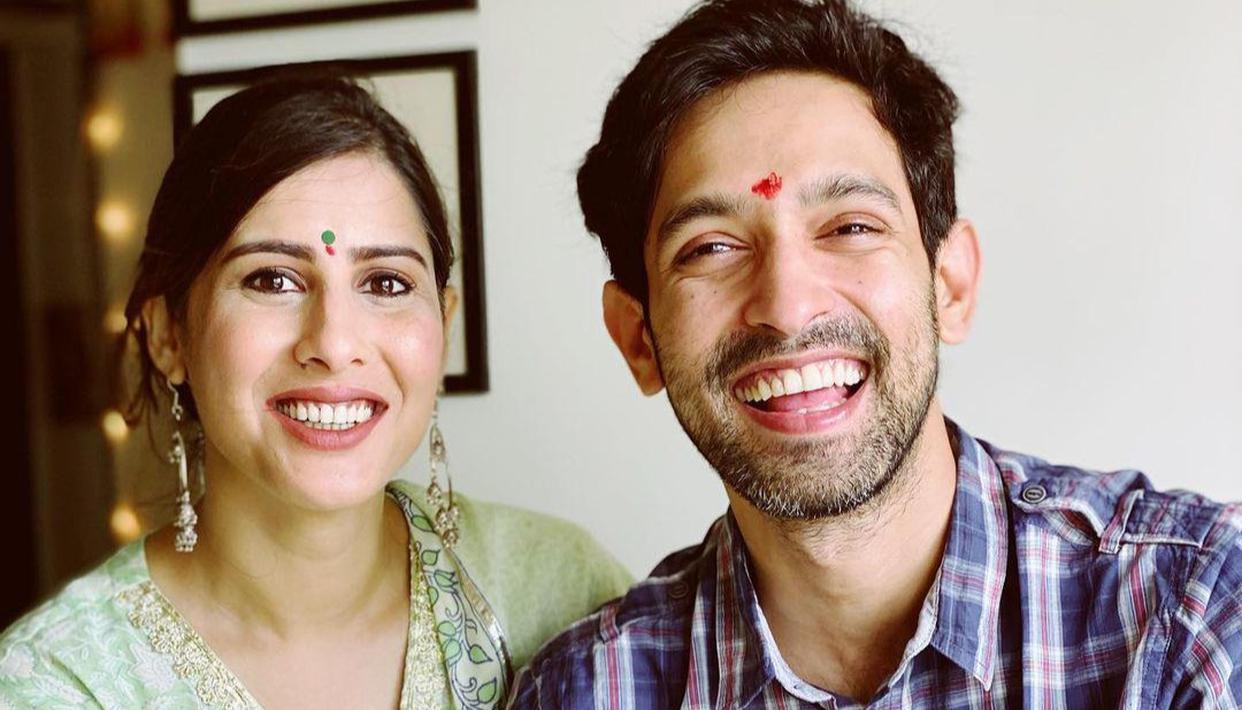 Vikrant Massey extends Durga Ashtami wishes as he celebrates with fiancée Sheetal - Republic World