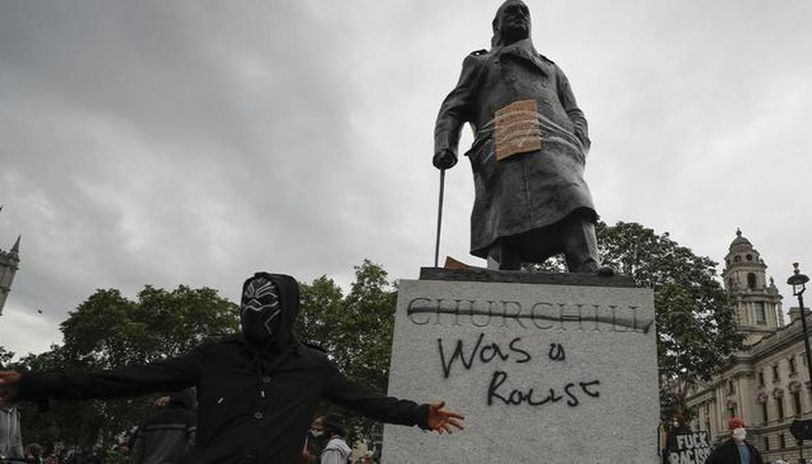 Churchill statue defaced with 'was a racist' graffiti during Black Lives Matter protests - Republic World