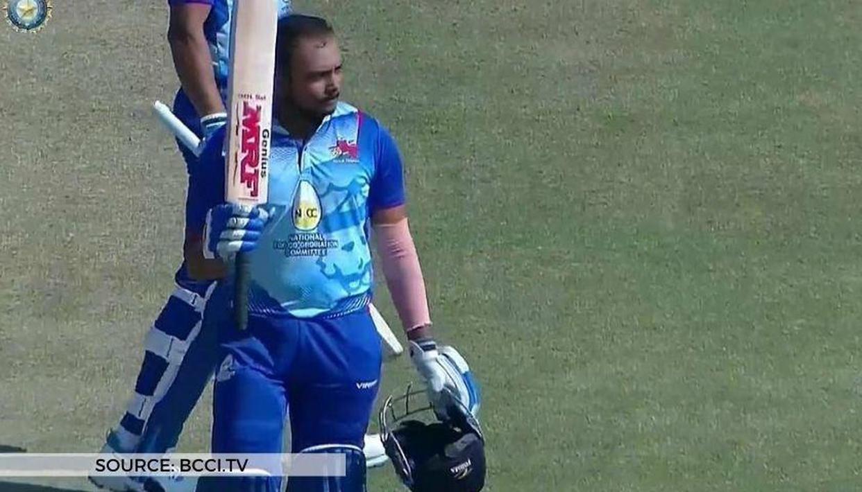 Prithvi Shaw stuns fans, smashes 227* as Mumbai captain in Vijay Hazare  Trophy 2021 game