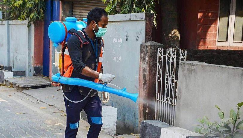 Delhi: Malviya Nagar, Khirki Ext residents step up to sanitise hotspot nearing areas