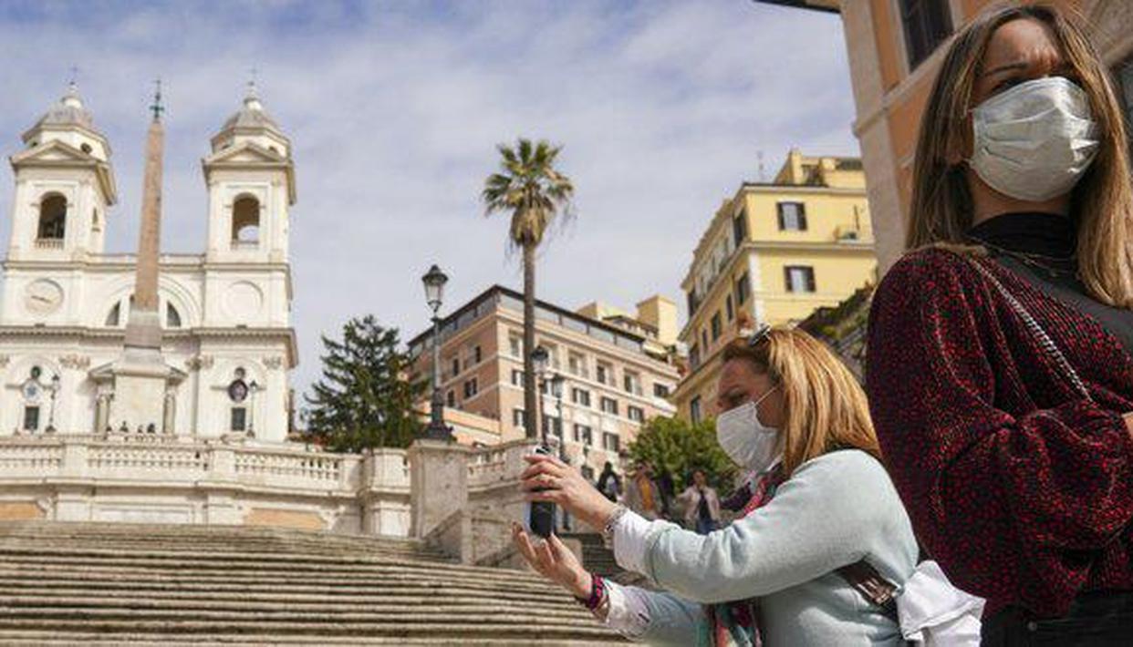 Italy adopts 25 bln euro package to help coronavirus-hit economy