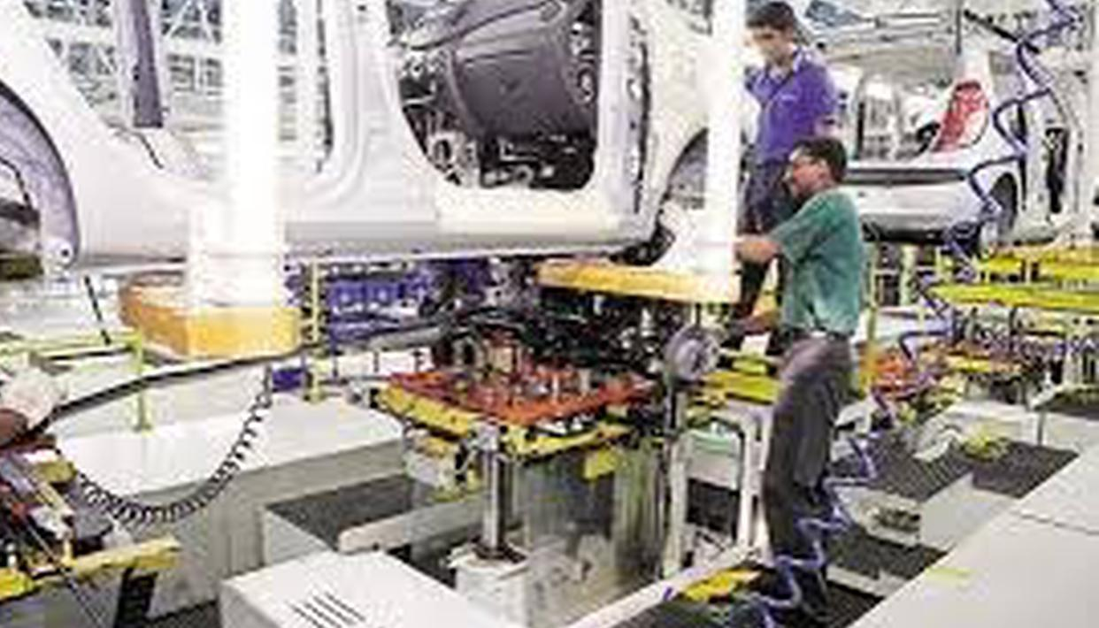 Deep in red: Sept industrial output shrinks 4.3%