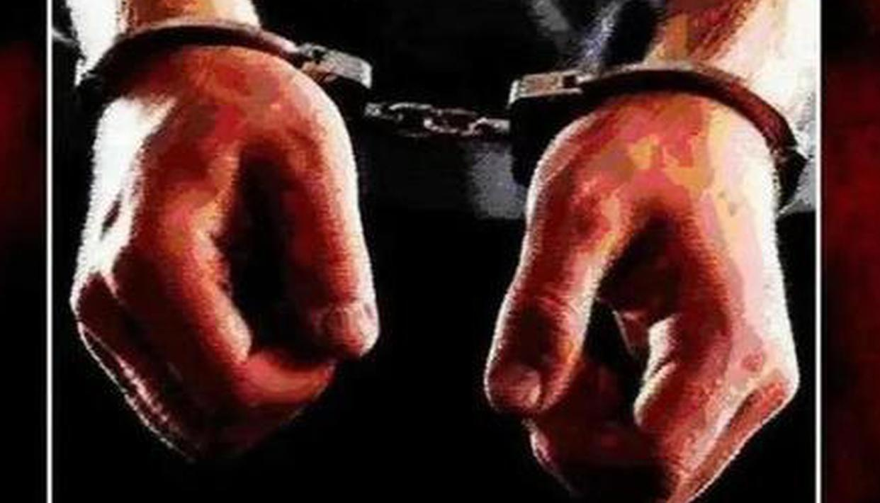 Mumbai police arrests man for duping 25 girls by posing as ...