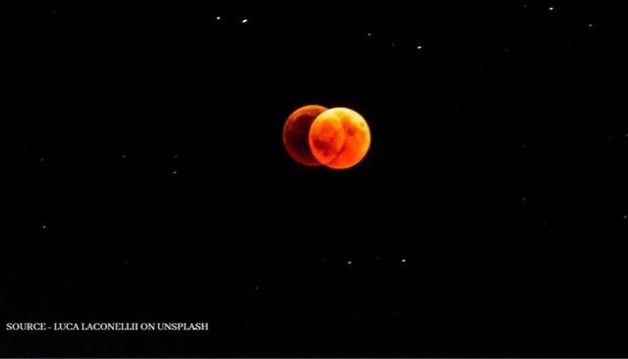 Two Moons tonight? Debunking the claim of Mars looking the same size as Moon - Republic World