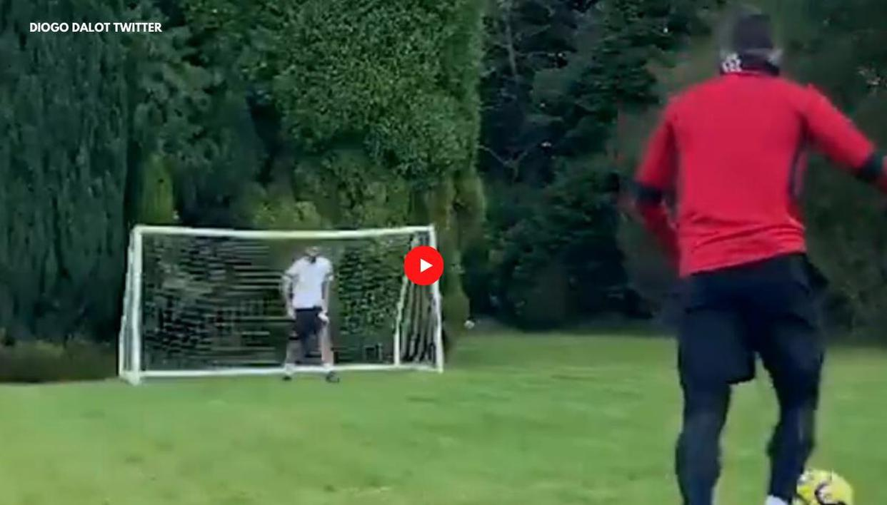 Man Utd midfielder Bruno Fernandes named Premier League player of the month