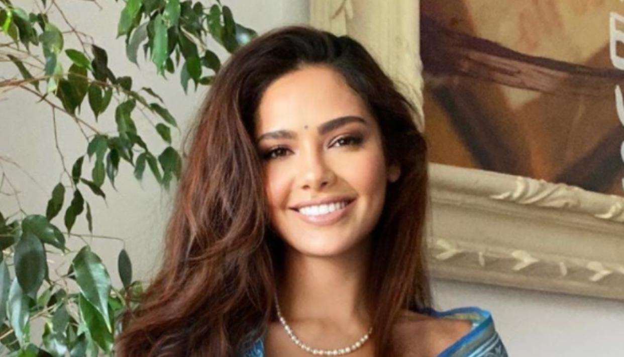 Photo of Esha Gupta Shares A Glimpse Of Her Morning Yoga Session; Adds A Meaningful Caption