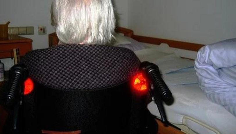 COVID-19: Elderly woman breaks out of old age home to meet daughter