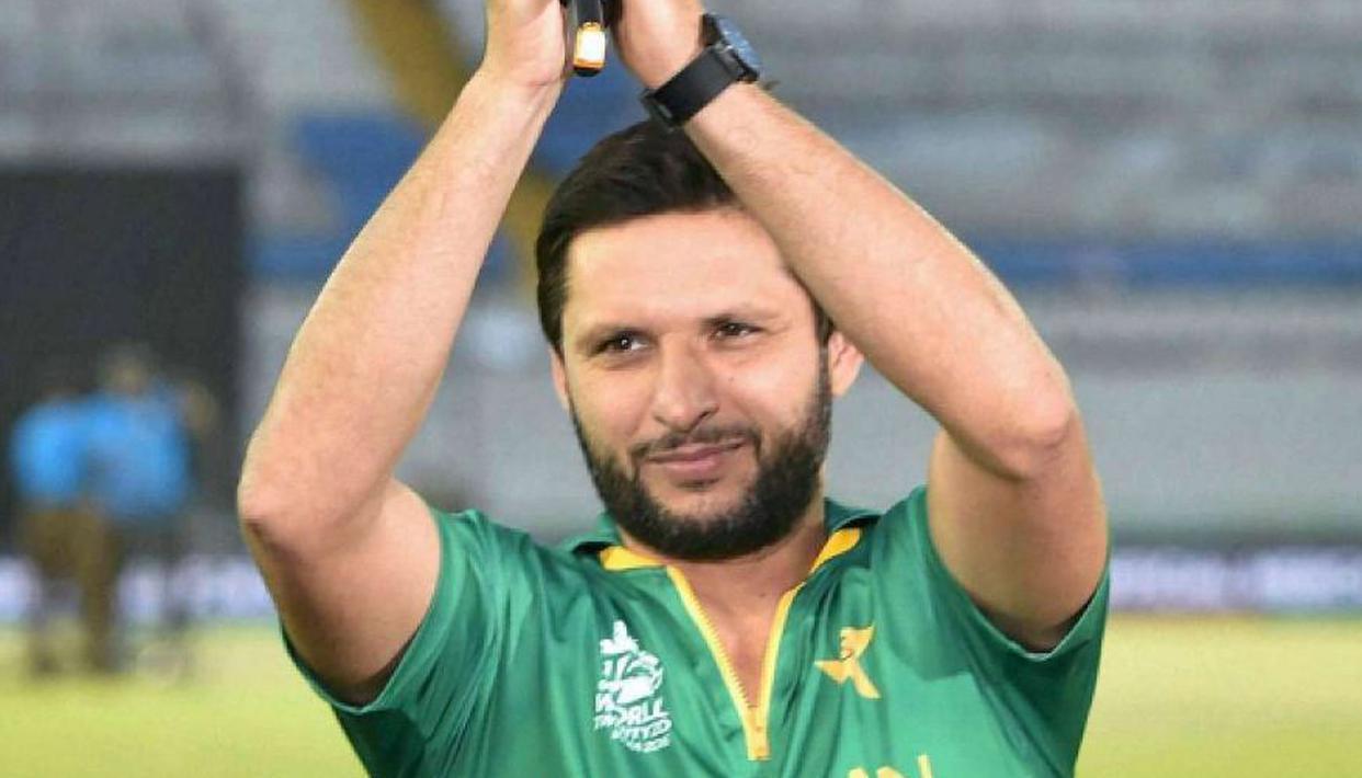 Shahid Afridi picks Abdul Qadir as his all-time favourite spin-bowler - Republic World