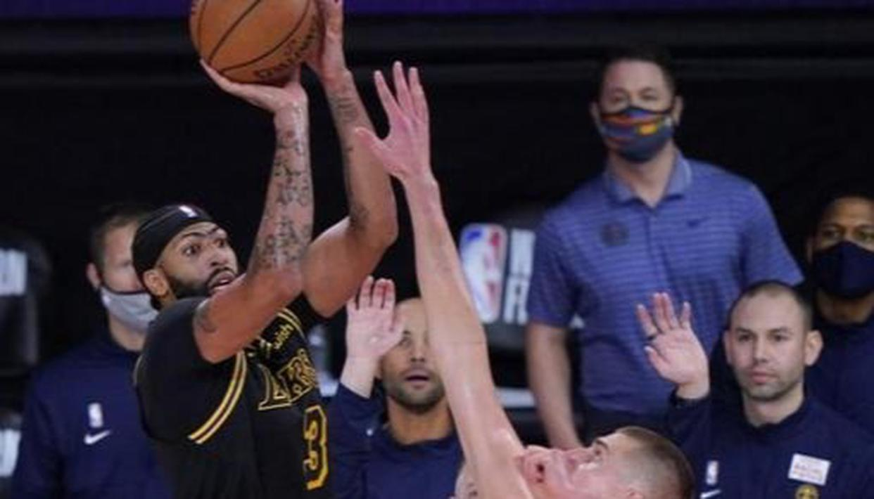 Anthony Davis' buzzer-beater first in trailing Lakers ...
