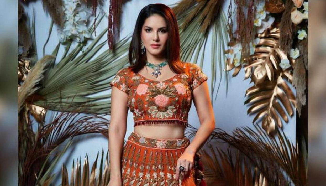 Sunny Leone stuns in off-white lehenga for traditional Sunday look; hubby Daniel reacts