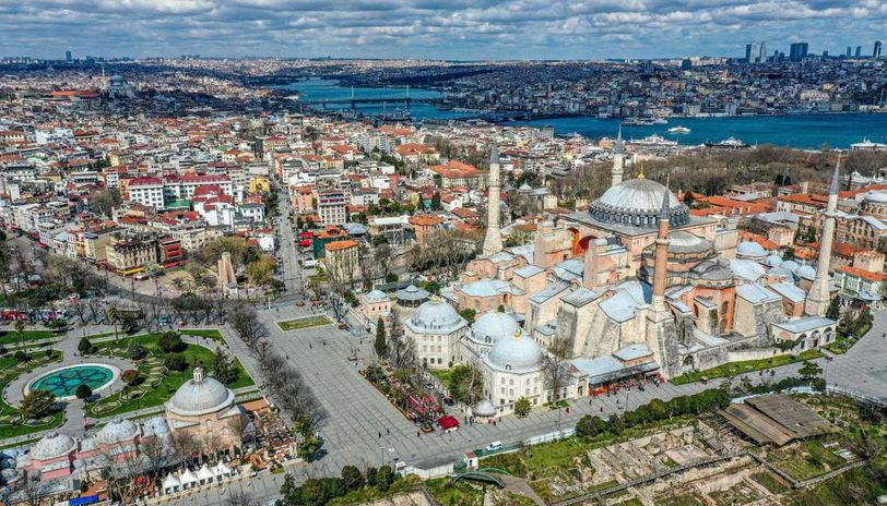 Aerial footage of empty Istanbul streets in lockdown - Republic World