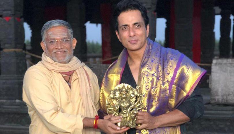 Sonu Sood gets felicitated by Koratala Siva and Tanikella Bharani on sets of 'Acharya'