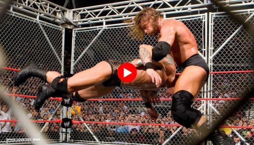 Triple H defeats Randy Orton