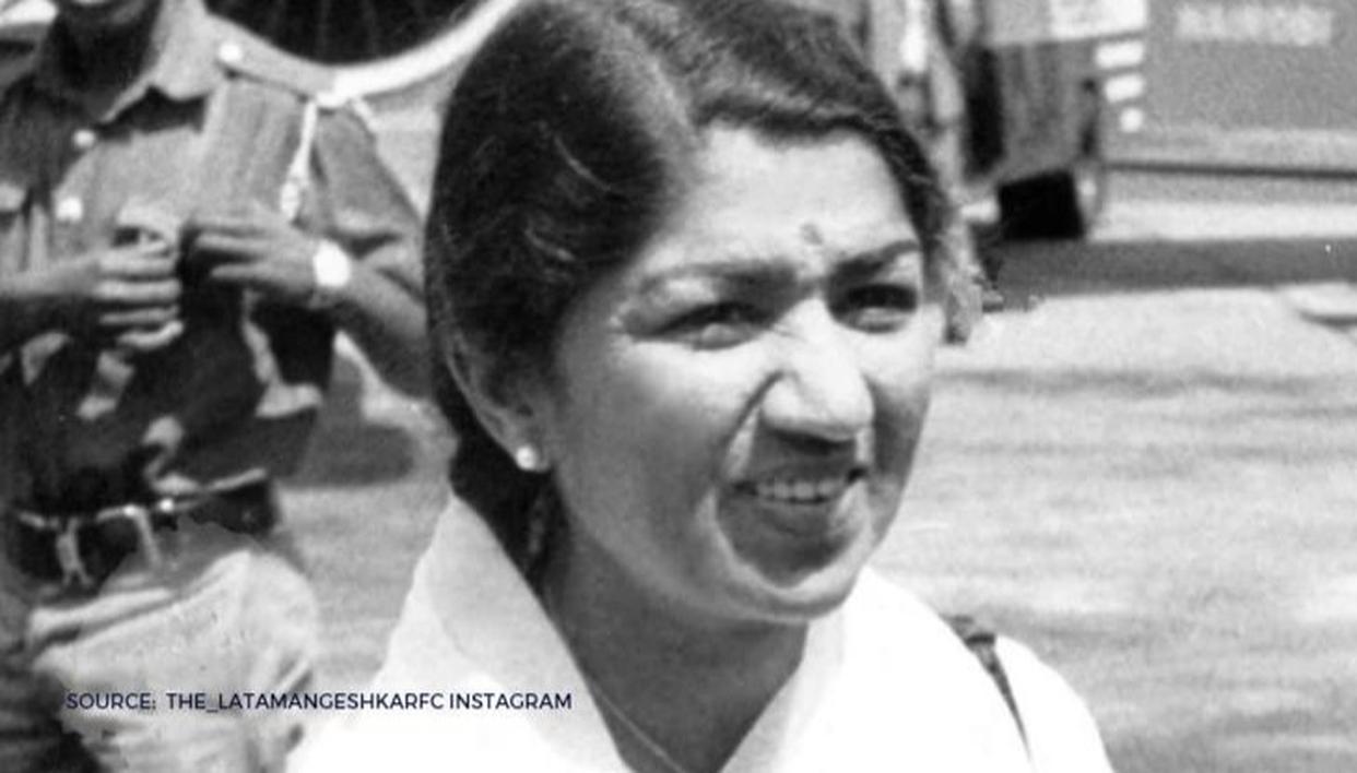 Unseen Pic of the Day: Lata Mangeshkar's nostalgic family photo from 1979 - Republic World
