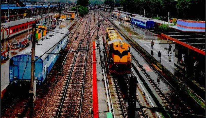 delhi to bhubaneswar