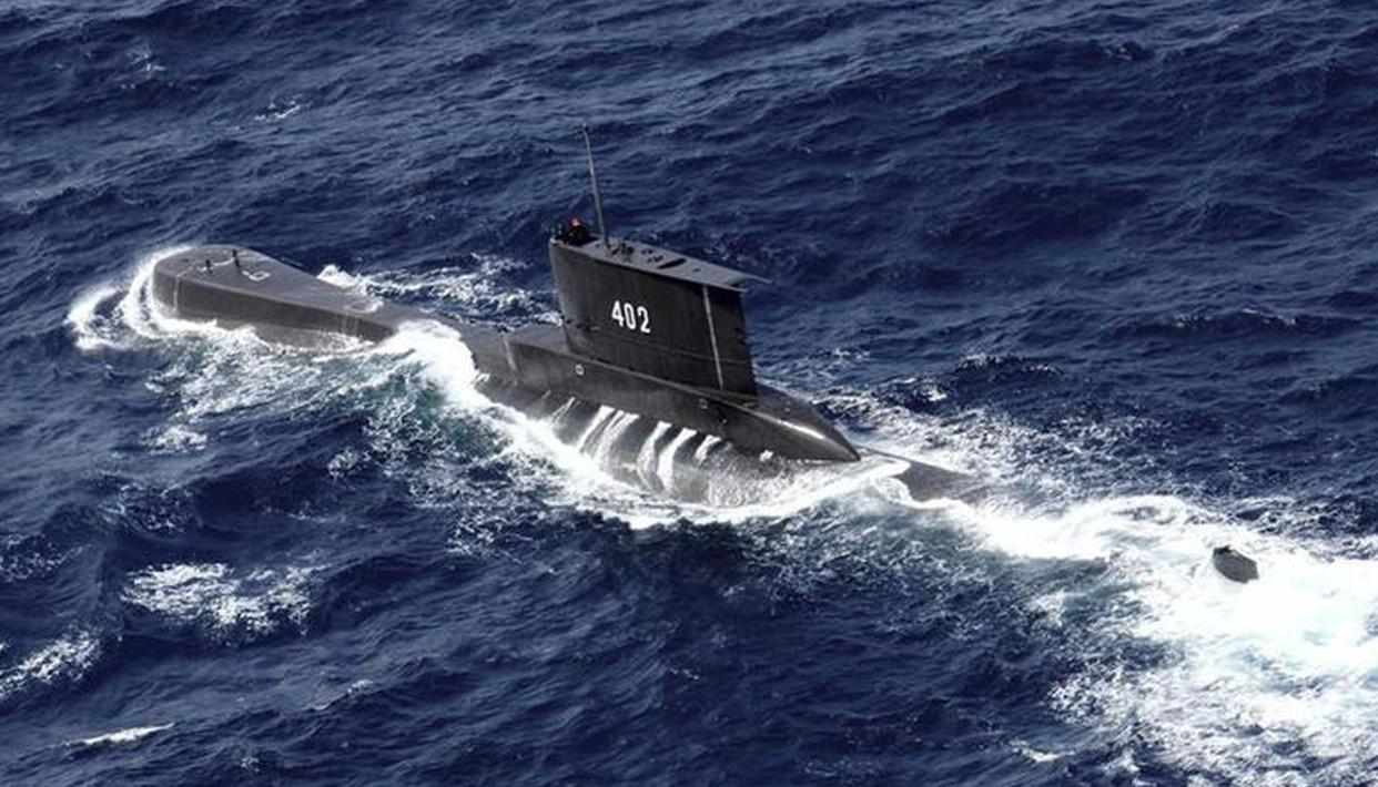 Indonesian Navy finds Debris from Missing Submarine