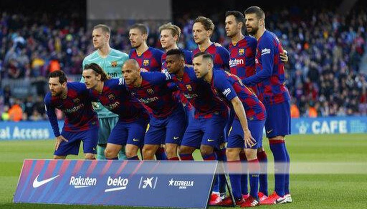 Barcelona first team suspends all activity