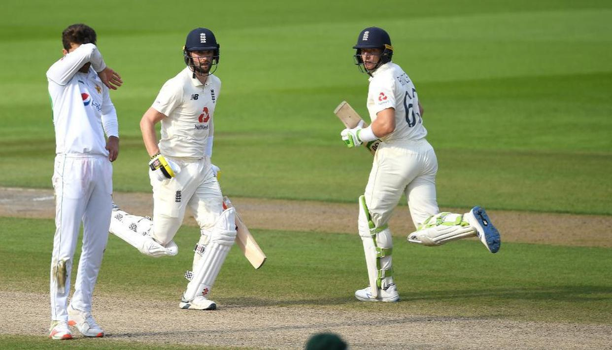 Butler, Woakes help England bounce back from early Pakistan blows to clinch 1st Test - Republic World